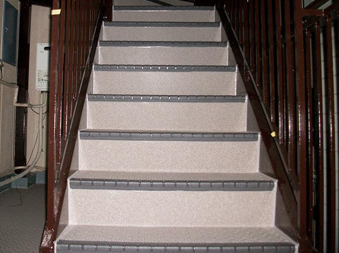 マンション・アパートの階段・床工事はお任せ下さい。