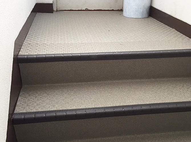 東京都足立区マンションの共用階段シート工事の施工後
