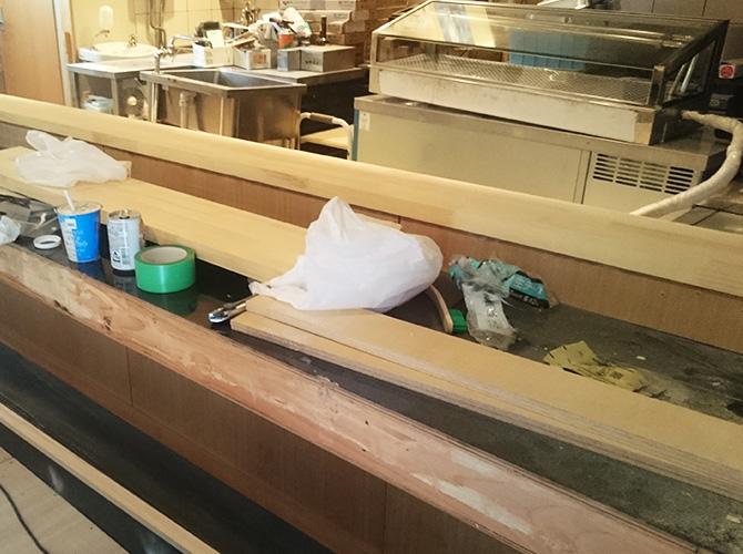寿司店の内装工事の施工前です。