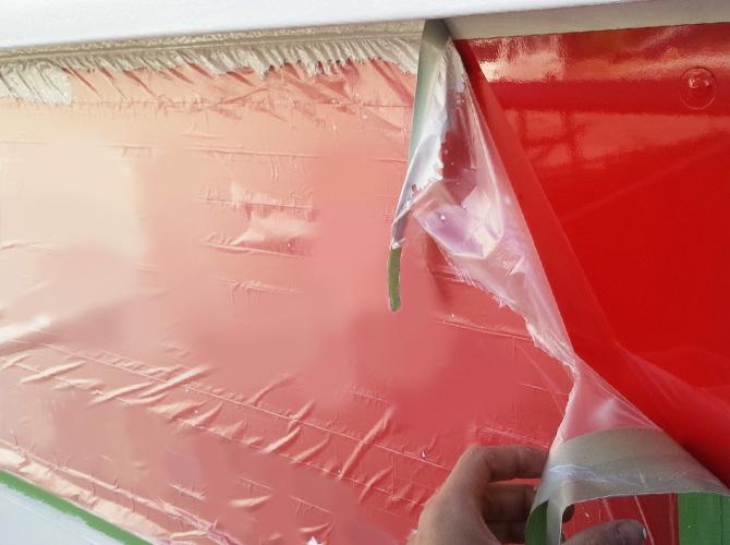 養生を撤去して塗装工事の完了となります。