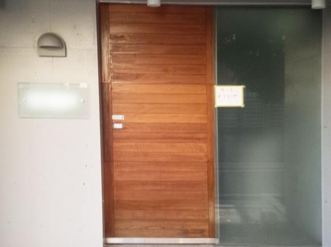 自動ドアの塗装完了後のようすです。