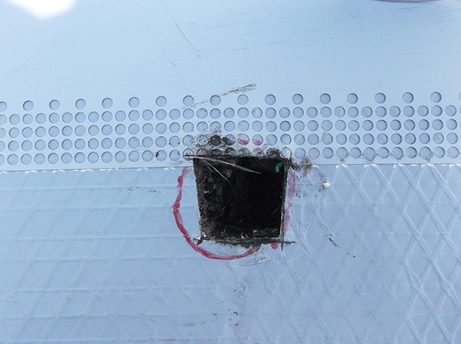 通気マットの設置後に脱気筒を設置します。