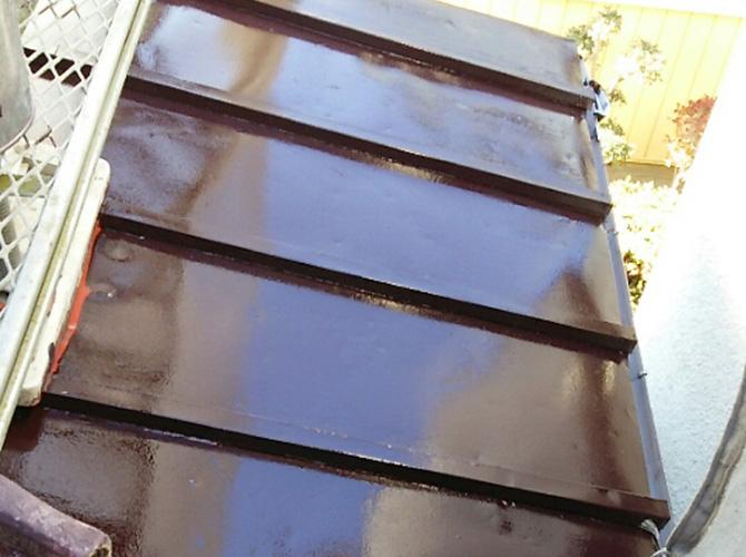 鉄部塗装の中塗り完了後のようすです。