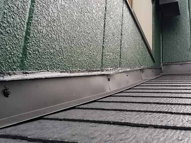 屋根葺き替え工事の完了後のようすです。