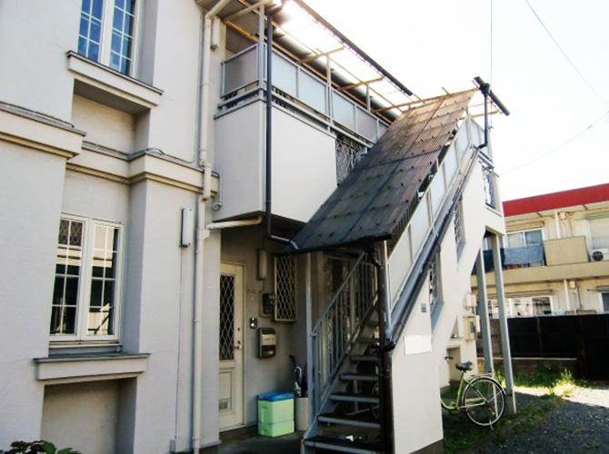 東京都小金井市アパートの外階段塗装工事の施工前