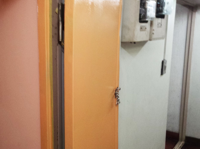 壁・天井と一緒にドアの塗装も可能です。