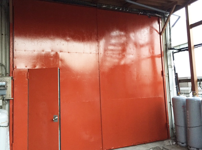 横浜市店舗の鉄扉錆止め塗装工事の施工後