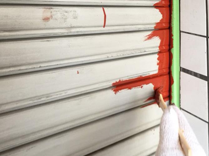 錆止め塗装の施工中です。