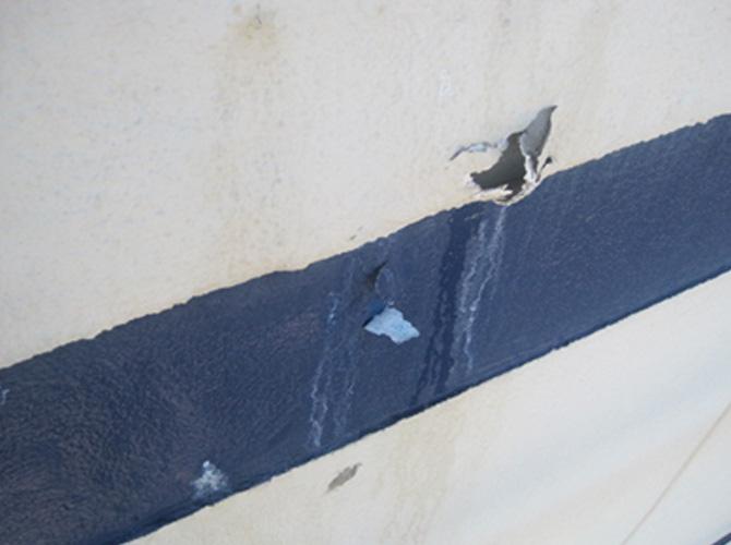 外壁の下地補修前の状態
