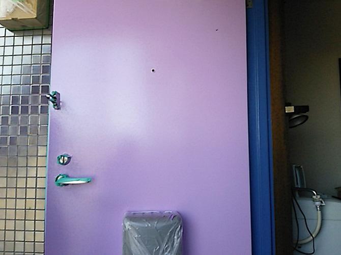 東京都品川区アパートの玄関ドア塗装工事の施工後