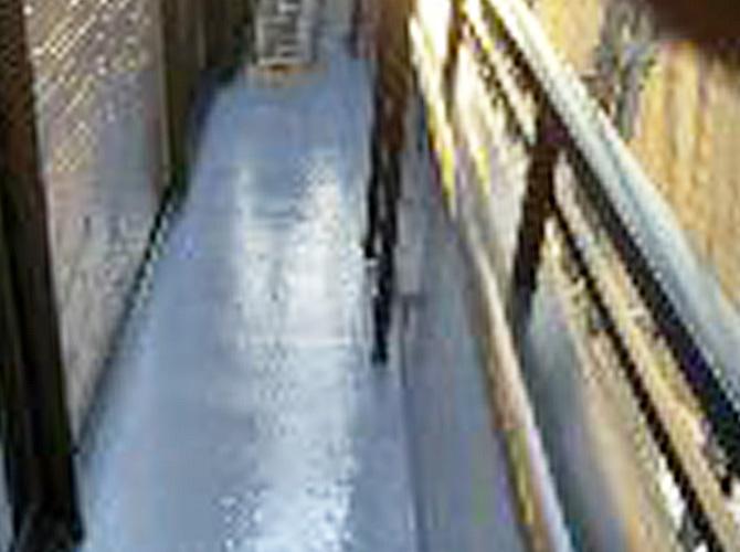 バルコニー防水工事の施工完了後です。