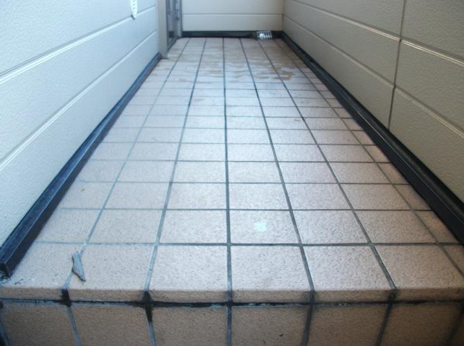 廊下長尺工事の施工前のようすです。