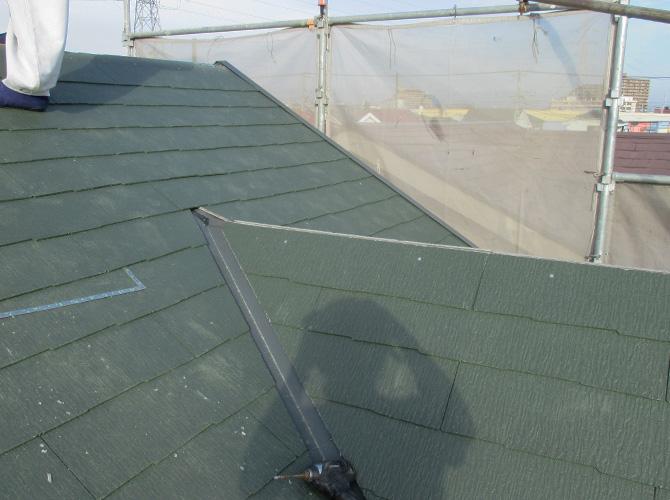 屋根材の設置完了後のようすです。