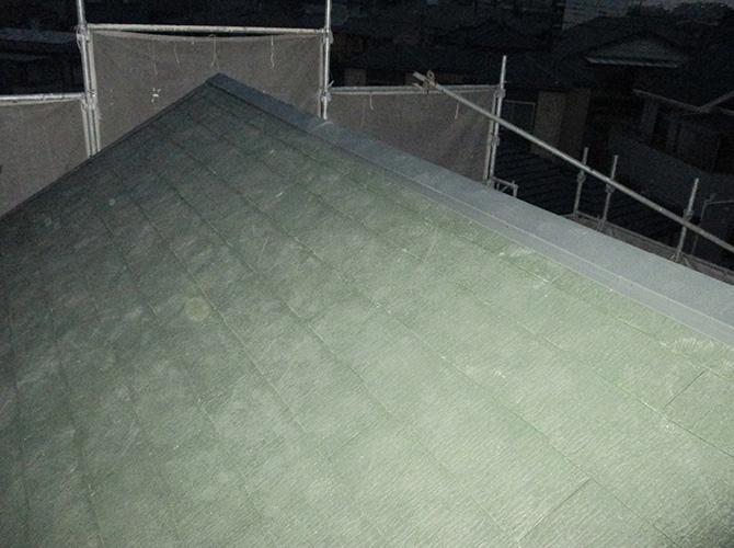 屋根葺き替え工事の施工完了後のようすです。