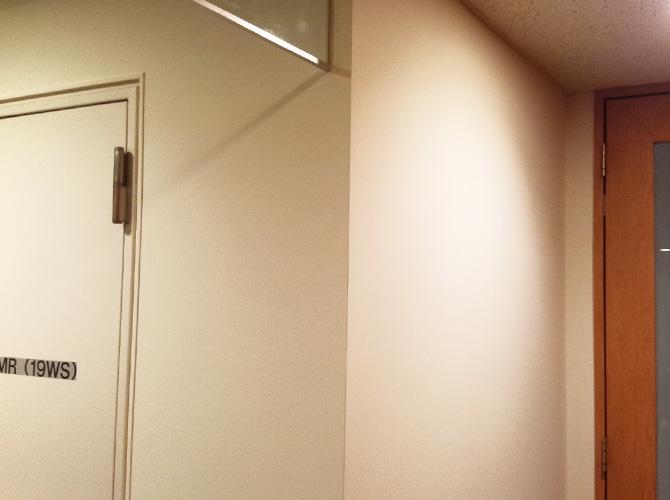オフィスビル内装塗装の施工完了後です。