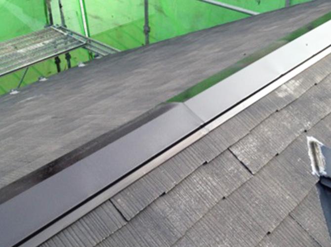 屋根の鉄部錆止め施工後です。