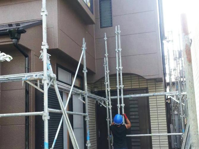 塗装工事・確認作業後に足場を解体します。