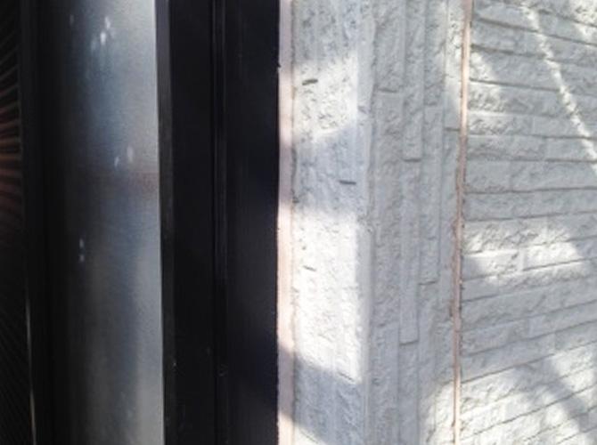 窓廻りのシール劣化は雨漏りの原因になります。