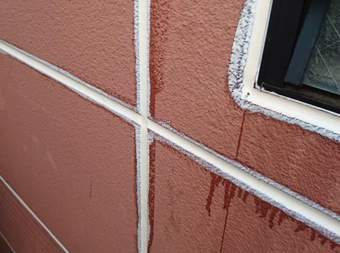 外壁目地のシール工事完了後のようすです。