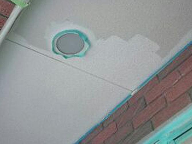 軒天井や雨樋などもしっかりと塗り替えます。
