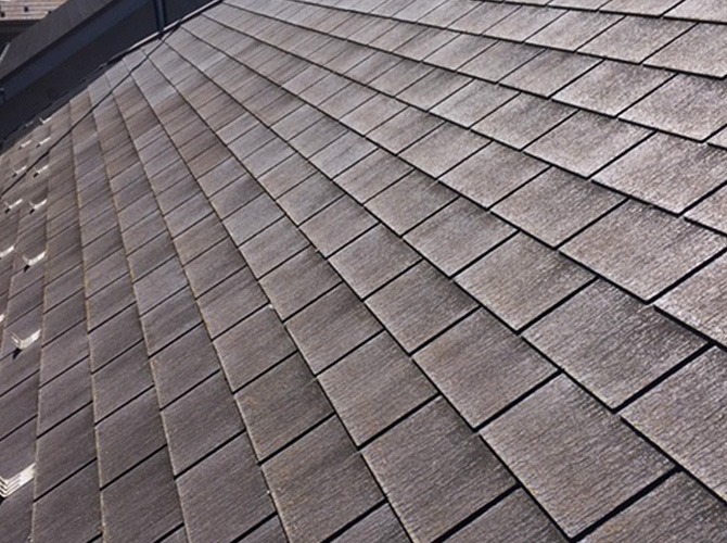 屋根の高圧洗浄施工前のようすです。