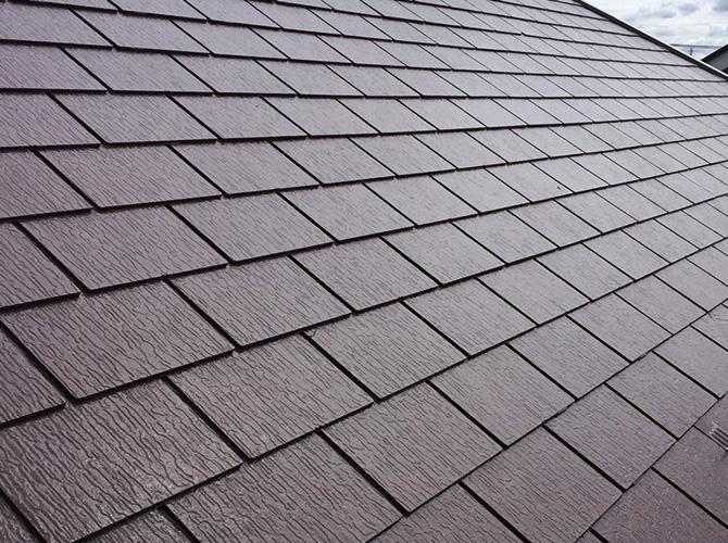屋根塗装工事の施工完了後のようすです。