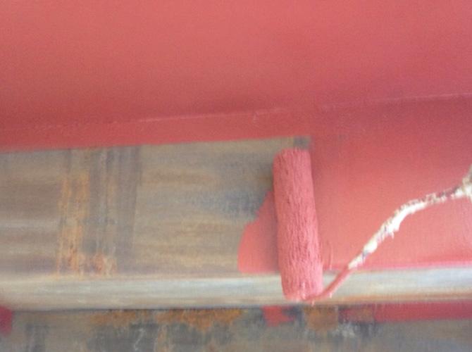 木部塗装の施工中です。