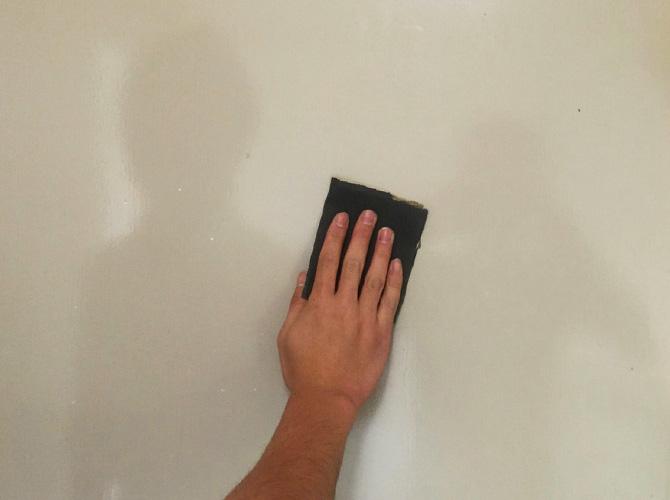 ケレン清掃で汚れを落として塗装します。