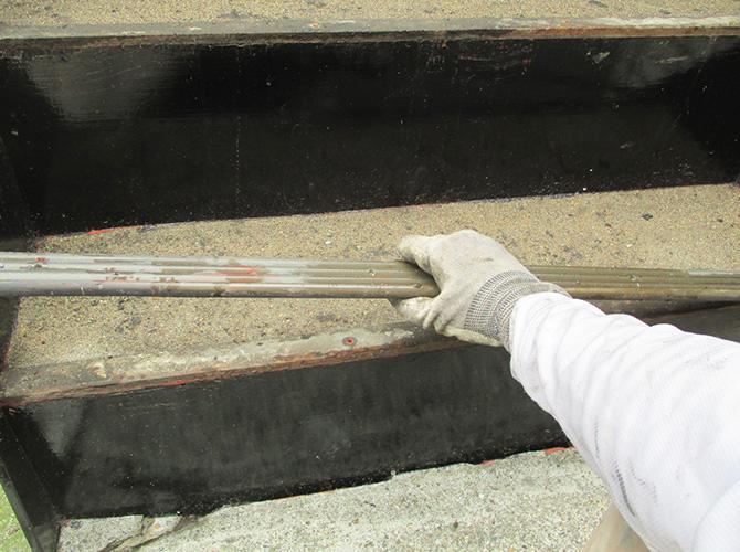 東京都足立区柳原一般住宅の外階段長尺シート工事の施工前