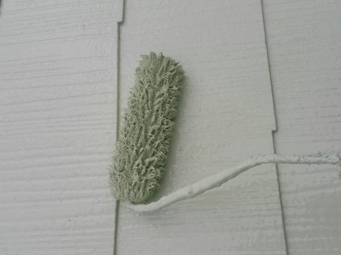 屋根塗装の施工中