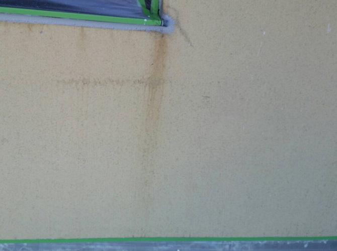 外壁塗装の施工前の状態です。