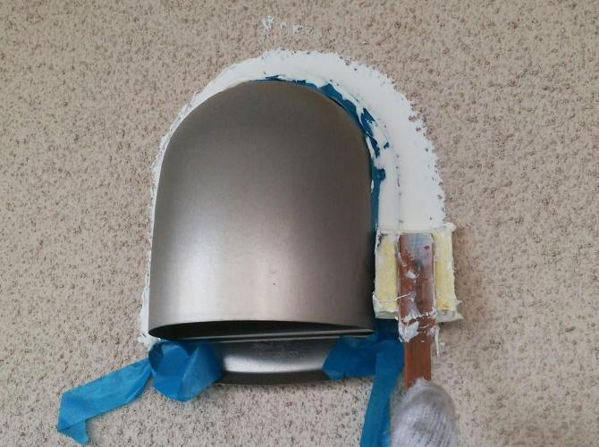 隙間を埋めてから塗装の工程に入ります。