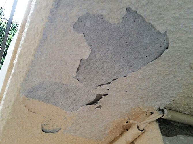 軒天井の劣化状況に合わせて補修します。