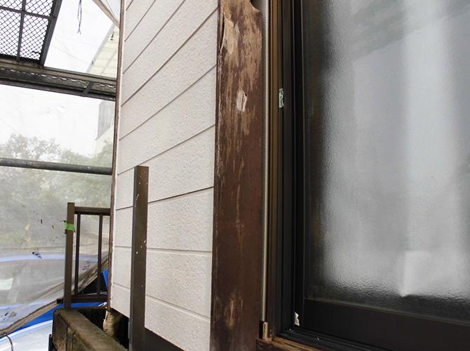 木部塗装の施工前の状態です。