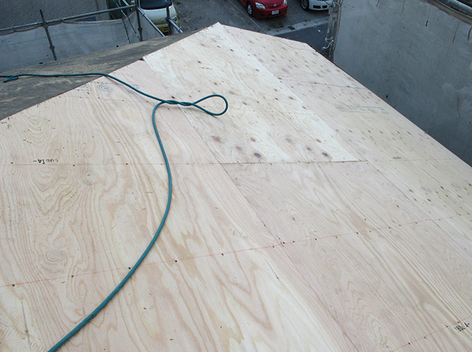 野地板の調整