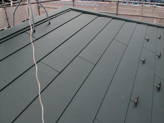 千葉県浦安市のガルバリウム屋根カバー工法の施工後