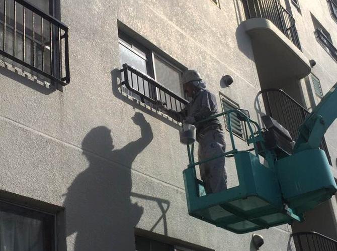 手すりなど鉄部の塗装はおまかせ下さい。