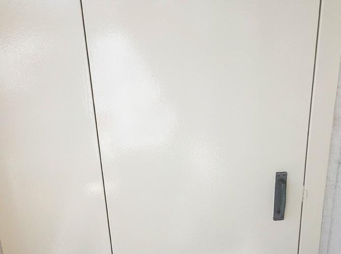 鉄扉など鉄部塗装はお気軽にご相談ください。