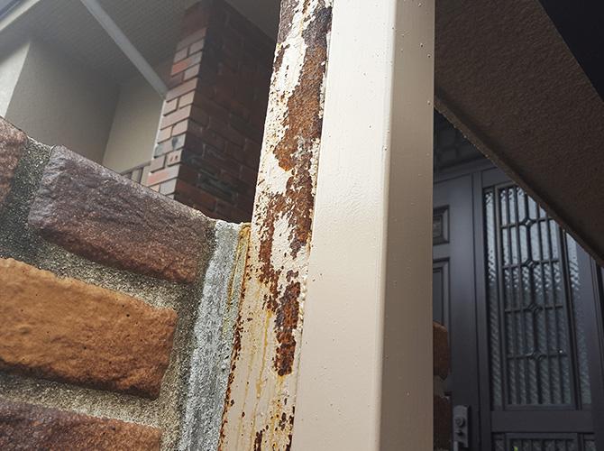 鉄柱のサビ止め塗装・補修工事の施工前