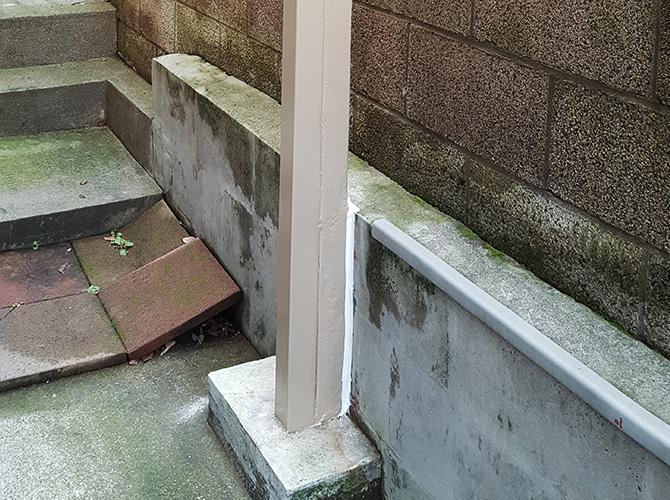 鉄柱など鉄部の塗装はおまかせ下さい。