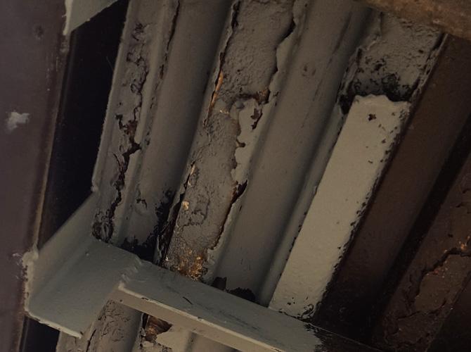 アパート鉄骨階段のサビ止め塗装リフォームの施工前