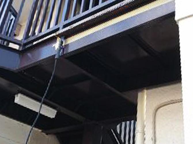 鉄部は補修やサビ止め塗装などで修繕します。