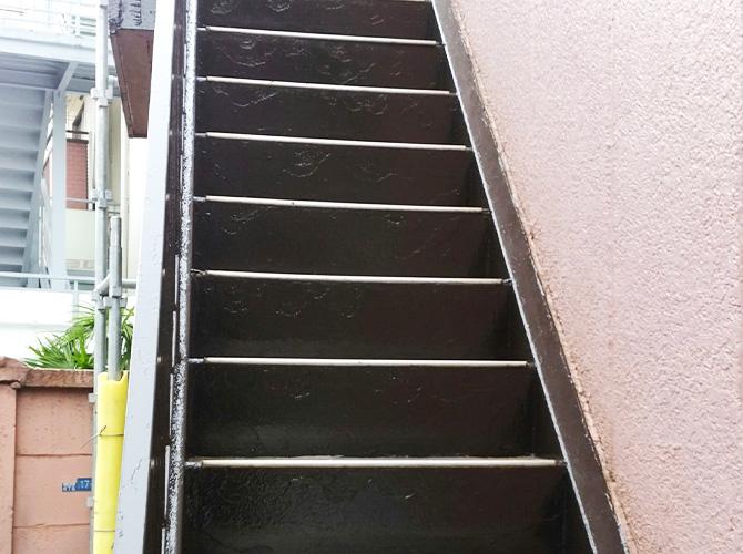 東京都品川区アパートの鉄骨階段サビ止め塗装の施工後