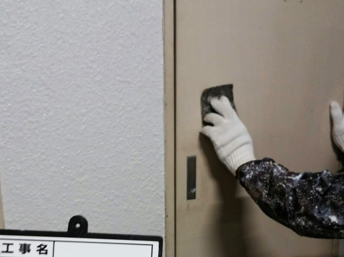 PS扉のケレン清掃