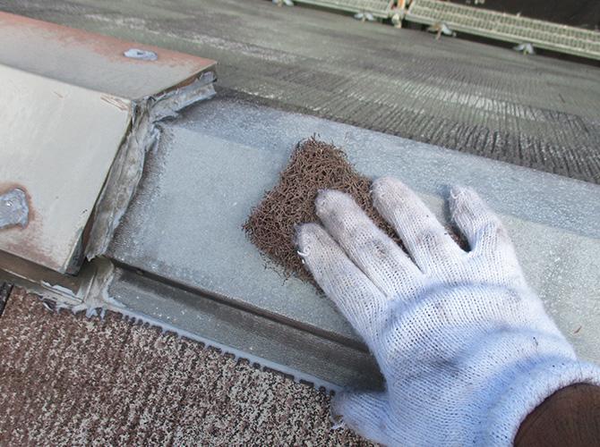 屋根鉄部のケレン