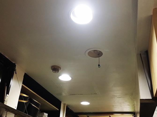 東京都北区赤羽飲食店の内装塗装工事の施工後