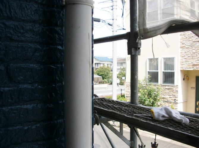 雨樋塗装の施工前の状態です。