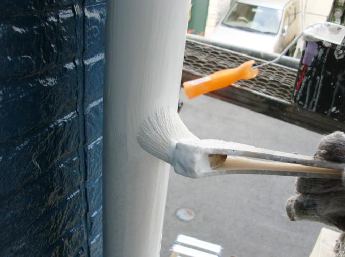 外壁だけではなく、雨樋などの付帯部もしっかり塗装。