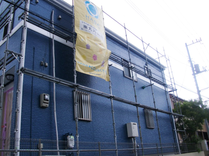塗装工事・検査等の完了後足場を解体します。