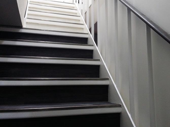 東京都中央区日本橋店舗の鉄部塗装工事の施工後